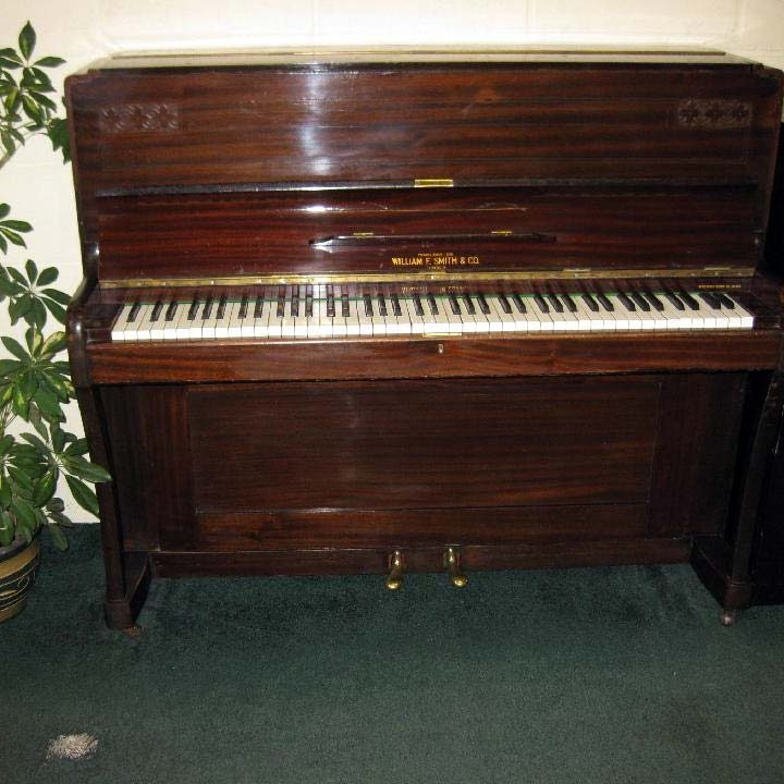 Williams F Smith - £650 - H 114 / L 137 / D 55cm